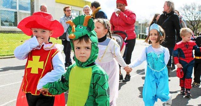 Argoat Sacré-Coeur. Un défilé haut en couleurs