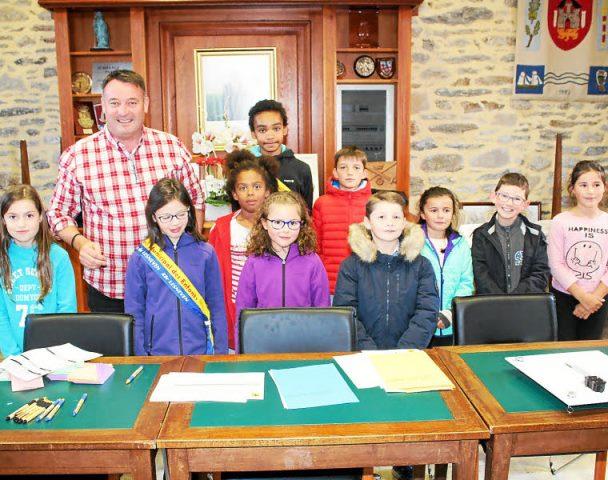 Conseil municipal enfants. Douze nouveaux élus