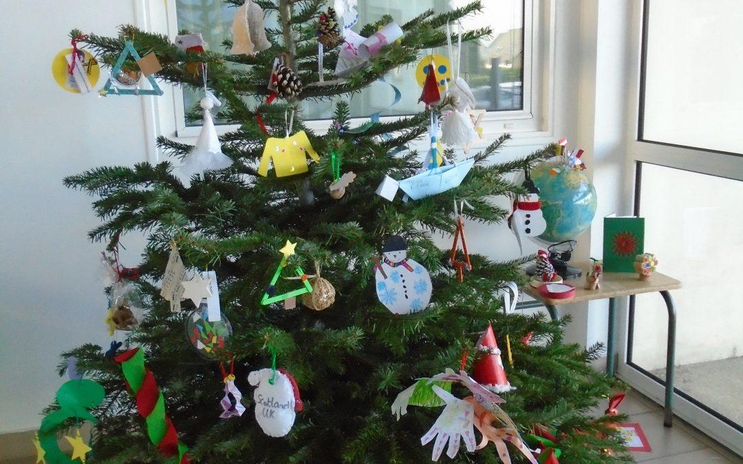 CE2 A & B, CE1/CE2 bilingues & ULIS : Noël en Europe